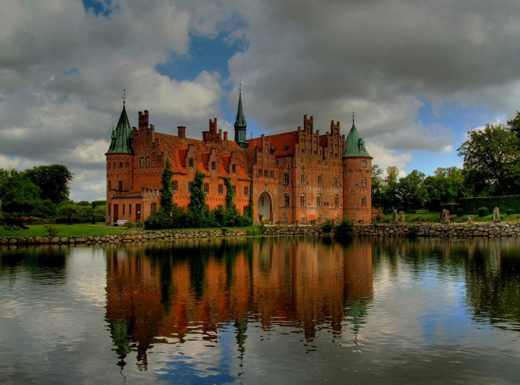 Romantický pohádkový hrad