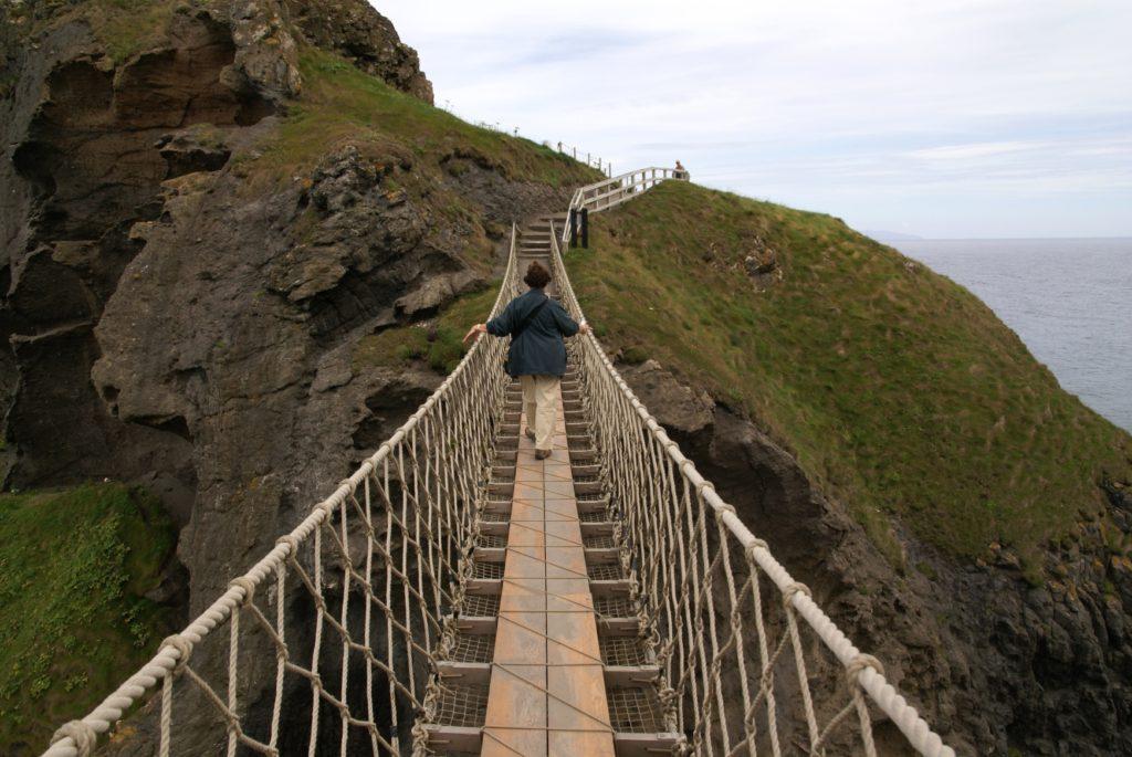 Přechod přes nebezpečný most