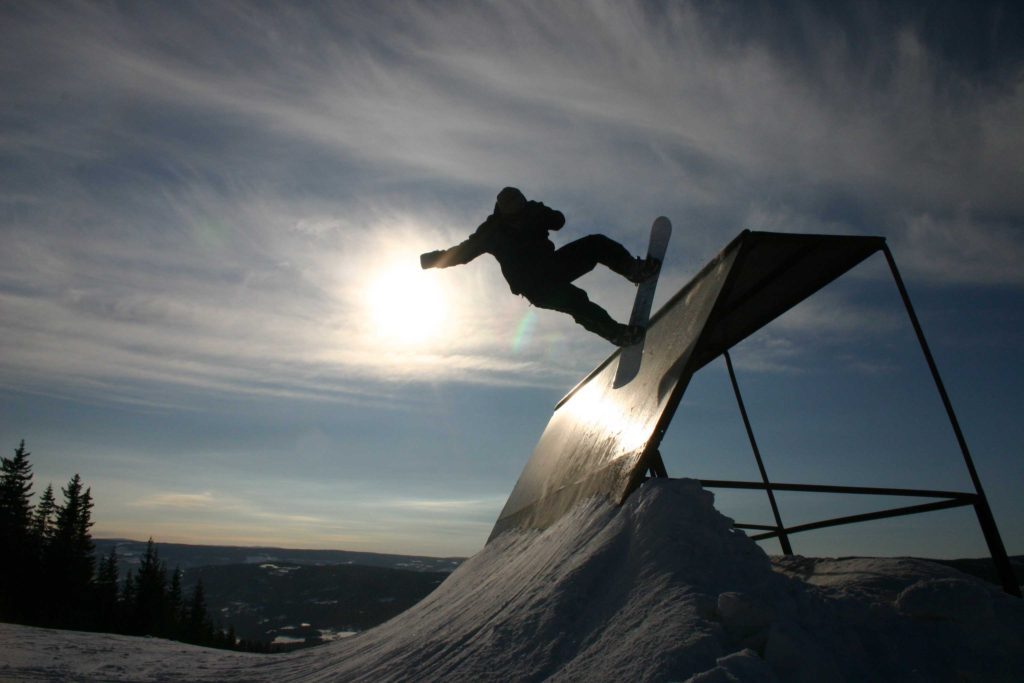 Celý Tomek na snowboardu