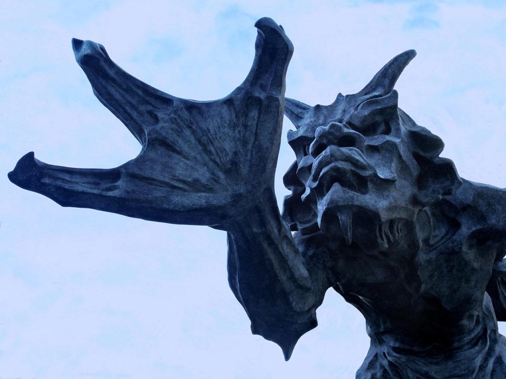 Zlá socha