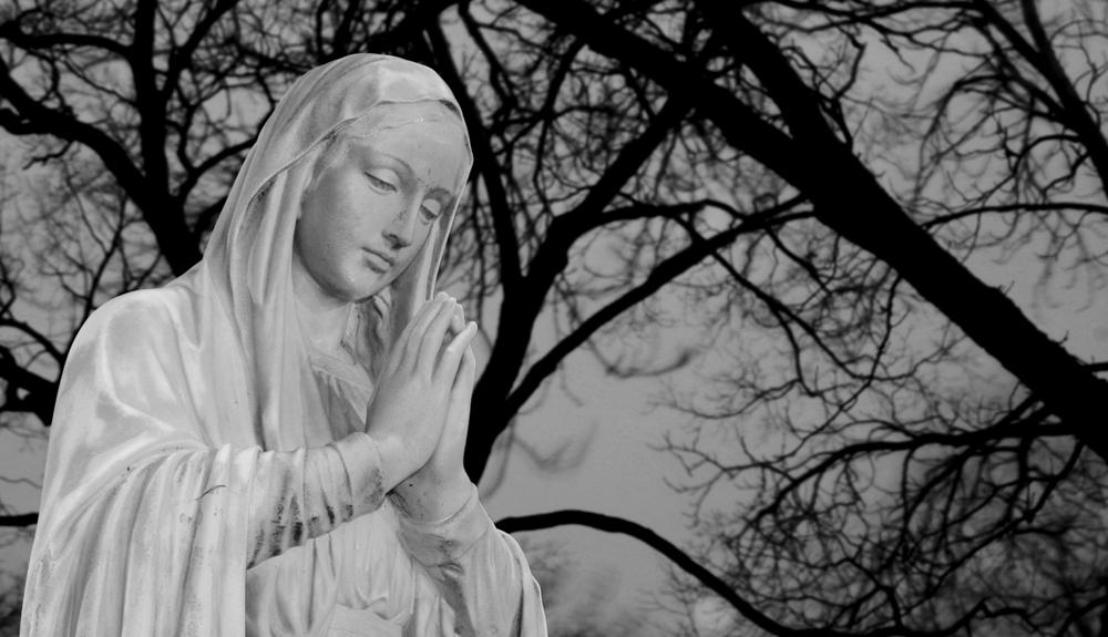 Marie se modlí za tvé hříchy