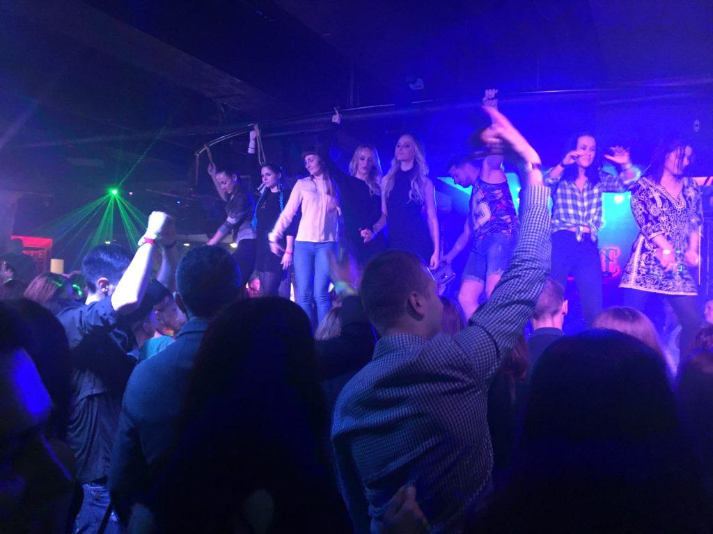 Bělorusky tančí v klubu