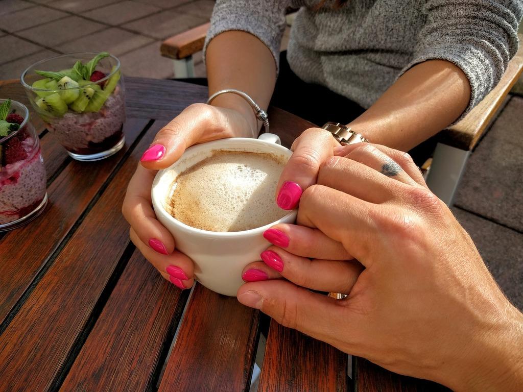 Jak holku pozvat na kafe