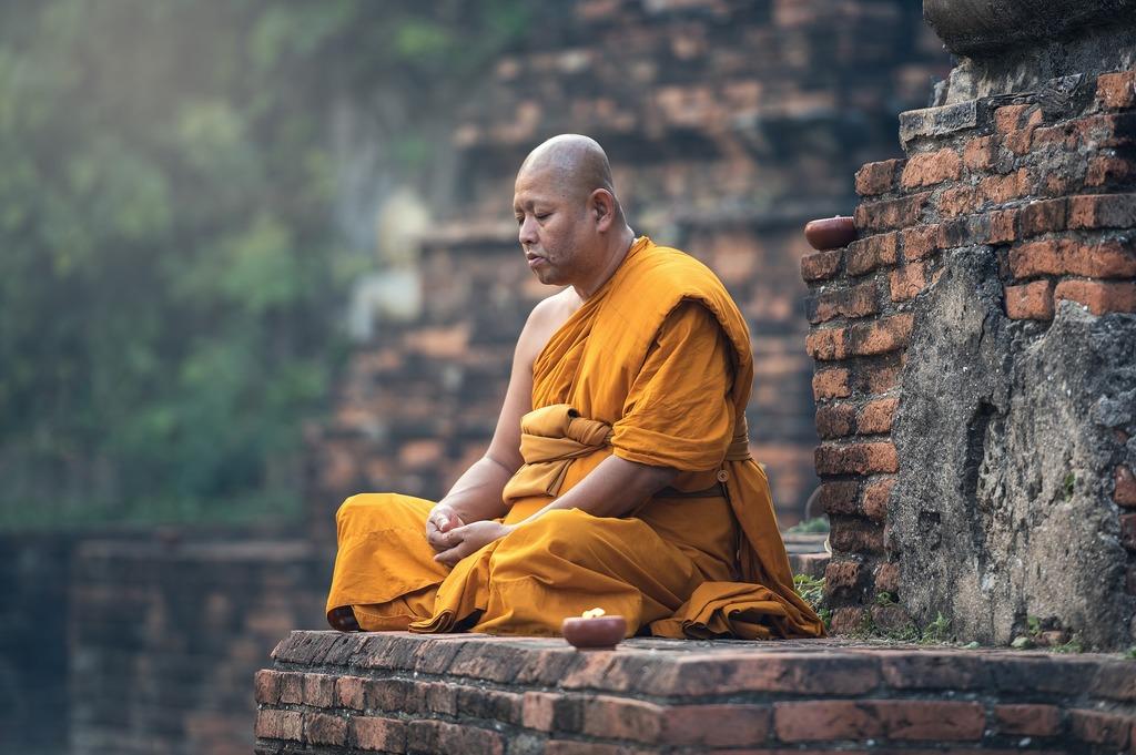 Smutný mnich jede monk mode